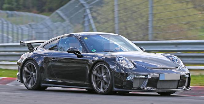 Обновленный Porsche 911 GT3 – симфония скорости на треке