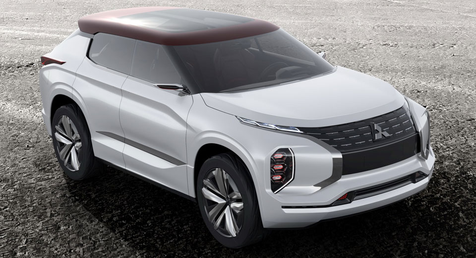 Mitsubishi привезла в Париж два новых SUV