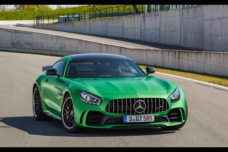Это все что вам необходимо знать об аэродинамике Mercedes-AMG GT R