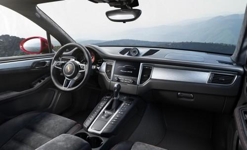 Porsche_Macan_GTS_interior
