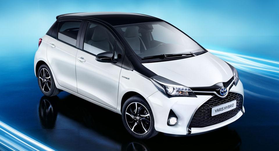 Toyota Yaris теперь в белом