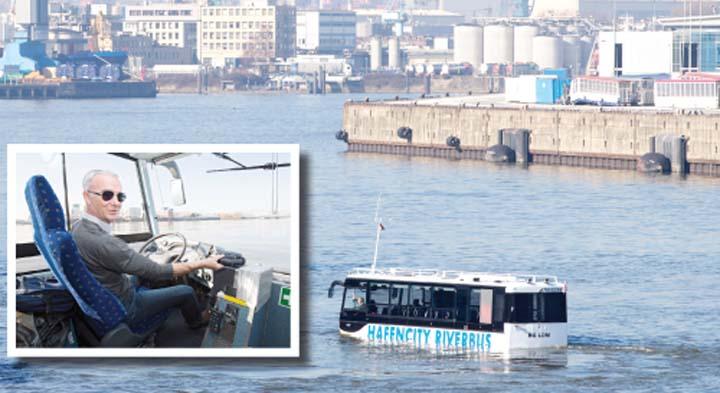 Первый немецкий автобус-амфибия уже отправился в тур по Гамбургу