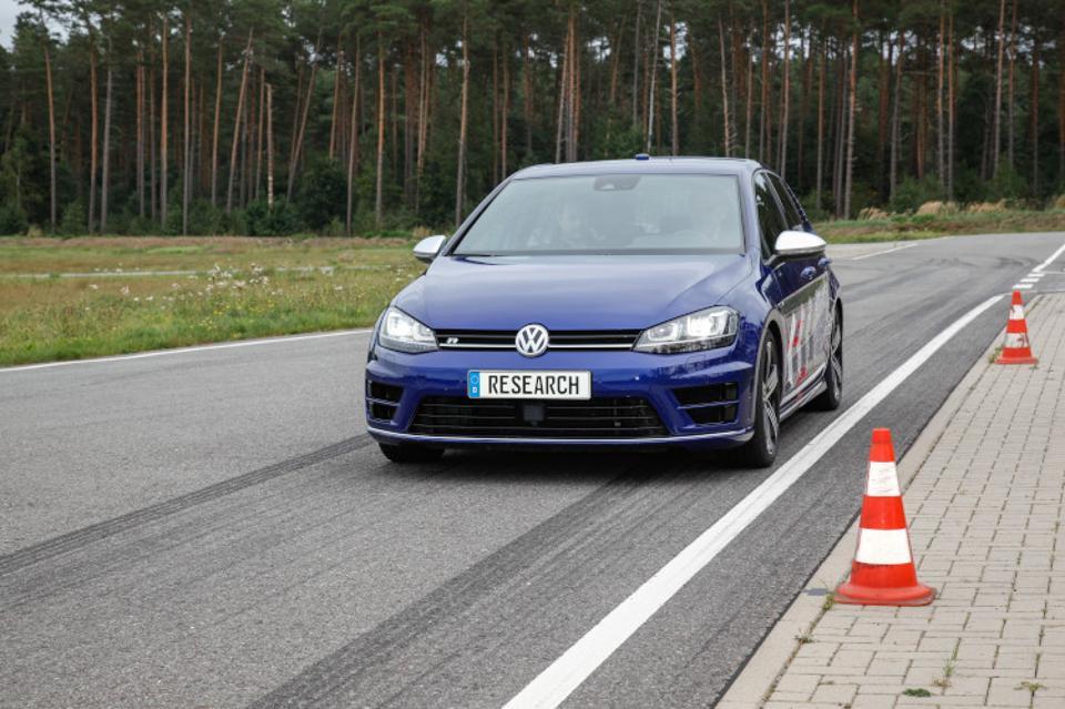 Volkswagen Autonomous Race Trainer – забудьте об инструкторах по вождению