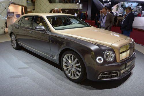 Bentley может совсем скоро презентовать кроссовер-лимузин