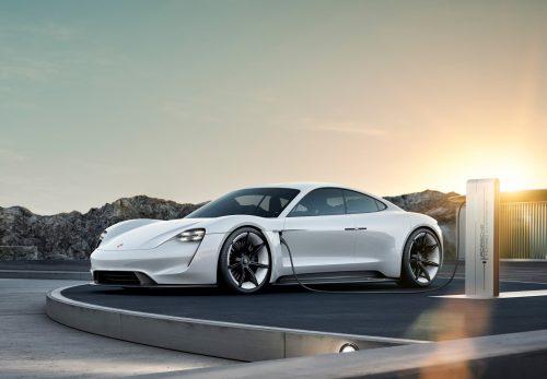 Porsche готовится порадовать новой версией Taycan
