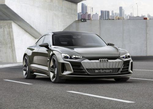 Audi e-tron GT уже у дилеров