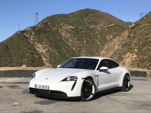 Электрический Porsche Taycan буквально разметают